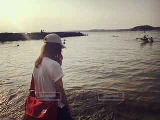 女性,空,夕日,後ろ姿,神奈川,三浦半島