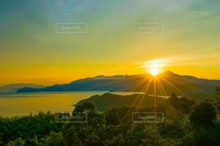風景,空,屋外,太陽,島,夕暮れ,水面,山,旅行,夕陽,山口,周防大島