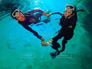 海,カップル,綺麗,沖縄,ハート,夫婦,青の洞窟