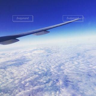 雲の上の青い空の写真・画像素材[1096270]