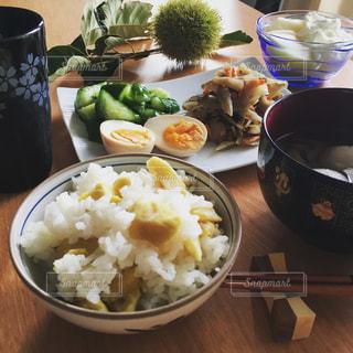 食べ物,秋,おうちごはん,食事,栗,テーブル,ヨーグルト,料理,朝ごはん,和食,食,くり,旬,食欲,秋の味覚,クリ,食欲の秋,栗ごはん,栗ご飯,味覚の秋