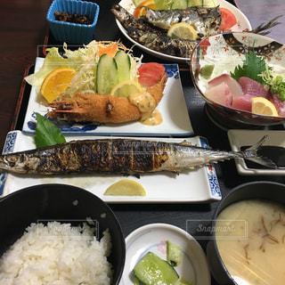 食べ物,秋,食事,焼き魚,料理,定食,食,さんま,秋刀魚,焼魚,食欲,サンマ,秋の味覚,食欲の秋