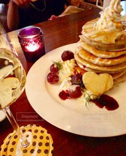 スイーツ,パンケーキ,ハート,ワイン,バレンタイン,夜カフェ,バレンタインデー