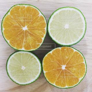 食べ物,オレンジ,フルーツ,果物,断面,くだもの,みかん,俯瞰,カット,柑橘,食材,フレッシュ,柑橘類,半分,柑橘系,スライス,へべす,フレッシュフルーツ,香酸柑橘