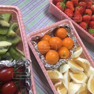 いちご,苺,デザート,フルーツ,果物,ピクニック,くだもの,みかん,キウイ,カット,柑橘,金柑,日向夏,フレッシュ,柑橘類,持ち寄り,イチゴ,カットフルーツ,柑橘系,きんかん,フレッシュフルーツ,完熟金柑たまたま,きんかんたまたま