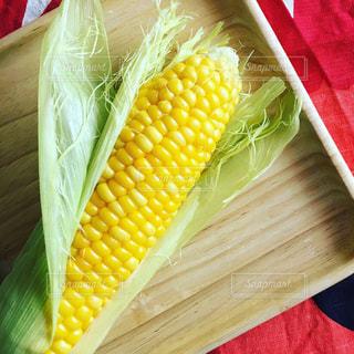 食べ物,黄色,イエロー,トウモロコシ,ヒゲ,yellow,つぶつぶ,とうもろこし,ひげ,ツヤツヤ,スイートコーン,艶々