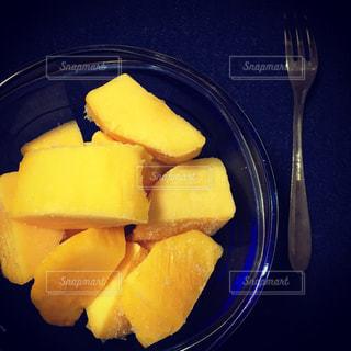 食べ物,マンゴー,黄色,デザート,フォーク,フルーツ,果物,甘い,イエロー,カット,冷凍食品,yellow,冷凍,カットフルーツ,冷凍マンゴー