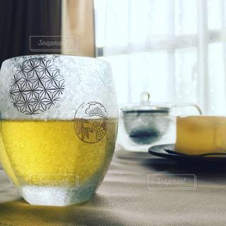 飲み物,黄色,窓,カーテン,ガラス,グラス,お茶,イエロー,緑茶,yellow,煎茶