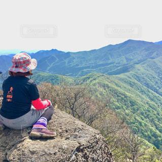 女性,自然,風景,アウトドア,空,屋外,後ろ姿,山,登山,人物,人,後姿,山頂,山登り