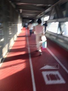 歩くの写真・画像素材[2164369]