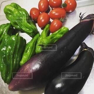 食べ物,キッチン,緑,赤,トマト,野菜,ミニトマト,食品,ピーマン,台所,なす,唐辛子,食材,フレッシュ,ベジタブル,ナス,ししとう,獅子唐,トウガラシ属