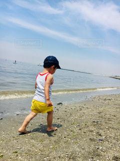 海,夏,屋外,後ろ姿,幼児,男の子