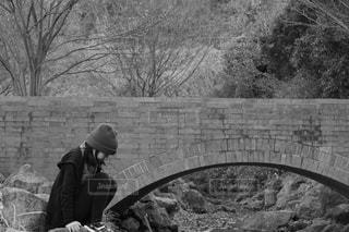 橋と少女の写真・画像素材[832391]