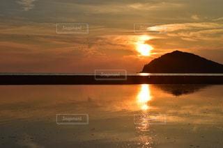 瀬戸の夕日の写真・画像素材[1238845]