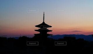 夕暮れ時の都市の景色の写真・画像素材[955656]