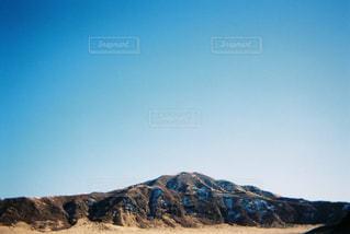 近くの山のアップの写真・画像素材[1409174]