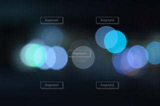 動かす光の写真・画像素材[1099147]