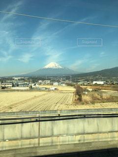 新幹線の車内からの富士山の写真・画像素材[1108185]