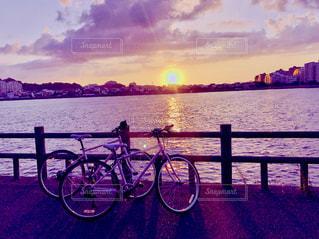 海,空,夕日,自転車