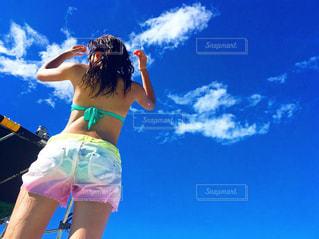 女性,海,空,夏,青,後ろ姿,水着,日焼け,人物,背中,人,後姿