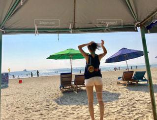 海,空,夏,海外,青,後ろ姿,水着,日焼け,背中,後姿,旅行,ポニーテール
