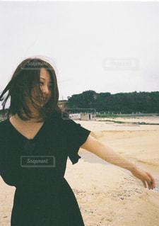 海,夏,屋外,ビーチ,島,砂浜,散歩,海岸,女の子,日本,フィルム,レジャー,お散歩,鹿児島,おでかけ,フィルムカメラ,与論島
