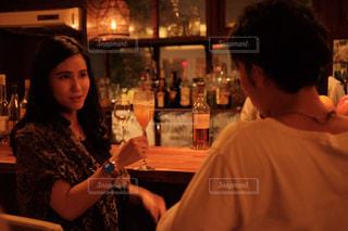 バーに似合う女性の写真・画像素材[1637671]