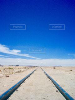 廃線と空の写真・画像素材[1229734]