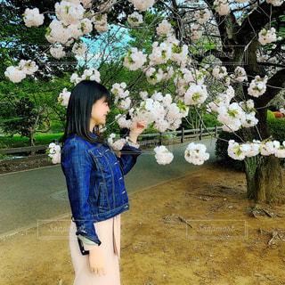 女性,公園,春,桜,新宿御苑,春コーデ,春コーディネート