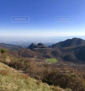 頂上からの景色と大空の写真・画像素材[1102481]