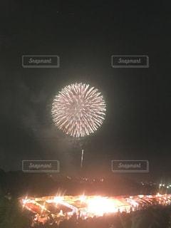 空に花火の写真・画像素材[1197208]