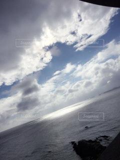ビーチで空の雲の写真・画像素材[1104578]