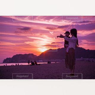 ピンク色の夕日の写真・画像素材[1434670]