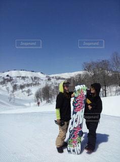 空,冬,雪,山,女,人物,スノボー,ポーズ,新潟,スキー場,斜面,ウィンタースポーツ