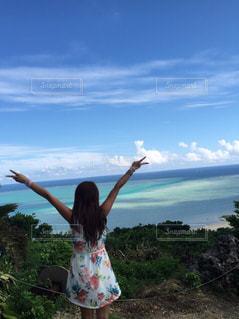 女性,自然,風景,海,空,屋外,後ろ姿,沖縄,人物,背中,後ろ