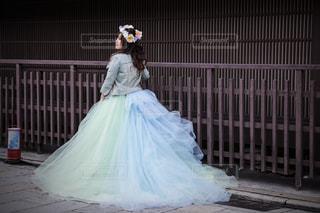 女性,屋外,京都,ドレス,人物,背中,人,後姿,後ろ