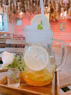 飲み物,ジュース,ドライフラワー,テーブル,レモン,可愛い,韓国,ドリンク,ファンシー