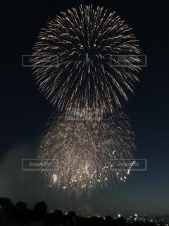 空の花火の写真・画像素材[2392963]