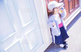小さな女の子の写真・画像素材[2824454]