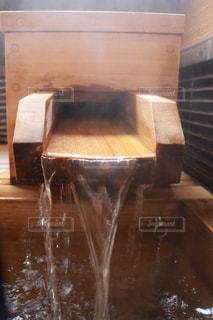 木製のお風呂の写真・画像素材[2890842]