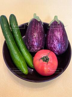 食べ物,夏,緑,赤,紫,季節,鮮やか,トマト,野菜,涼しい,食品,甘い,健康,キュウリ,美味しい,美容,なす,みどり,風流,グルメ,食,あか,素材,食材,コンテスト,ダイエット,美味い,うまい,食物,夏野菜,フレッシュ,ベジタブル,夏バテ,やさい,栄養,きゅうり,ナス,むらさき,とまと,なすび,エネルギー,vegetable,ビーガン,vegan,ヤサイ,冷える,フォトコンテスト,食感,フォトコン,そざい