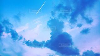 深い青の空の写真・画像素材[1109199]