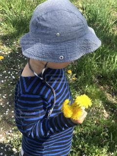帽子をかぶった男の子の写真・画像素材[1172090]