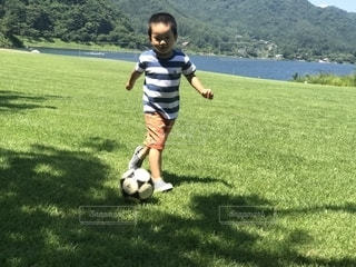サッカー,少年,男の子