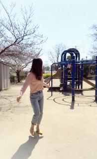 女性,空,公園,春,青空,ママ,春コーデ
