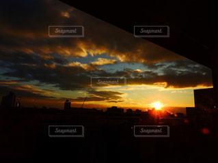 空,夕日,夕焼け,japan,夕焼け空,フォトジェニック,a6000,インスタ映,sel1670z,ベランダから見た空