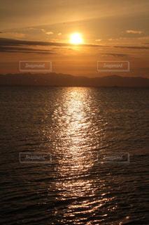海,夕日,屋外,雲,景色,癒し,気分転換,夕空,無加工,夕雲,インスタ映え,多色