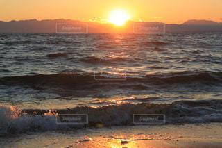 海,夕日,屋外,海岸,景色,癒し,気分転換,オレンジ色,夕空,無加工,夕雲,インスタ映え,多色