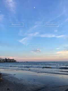 虹色の夕方の写真・画像素材[1407460]