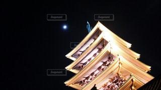 月と浅草寺の五重塔の写真・画像素材[1484884]